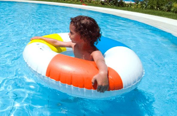 jeu piscine du mercredi: la régate