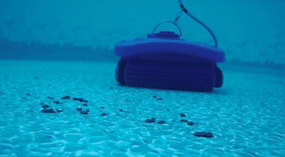 Du sable au fond de ma piscine